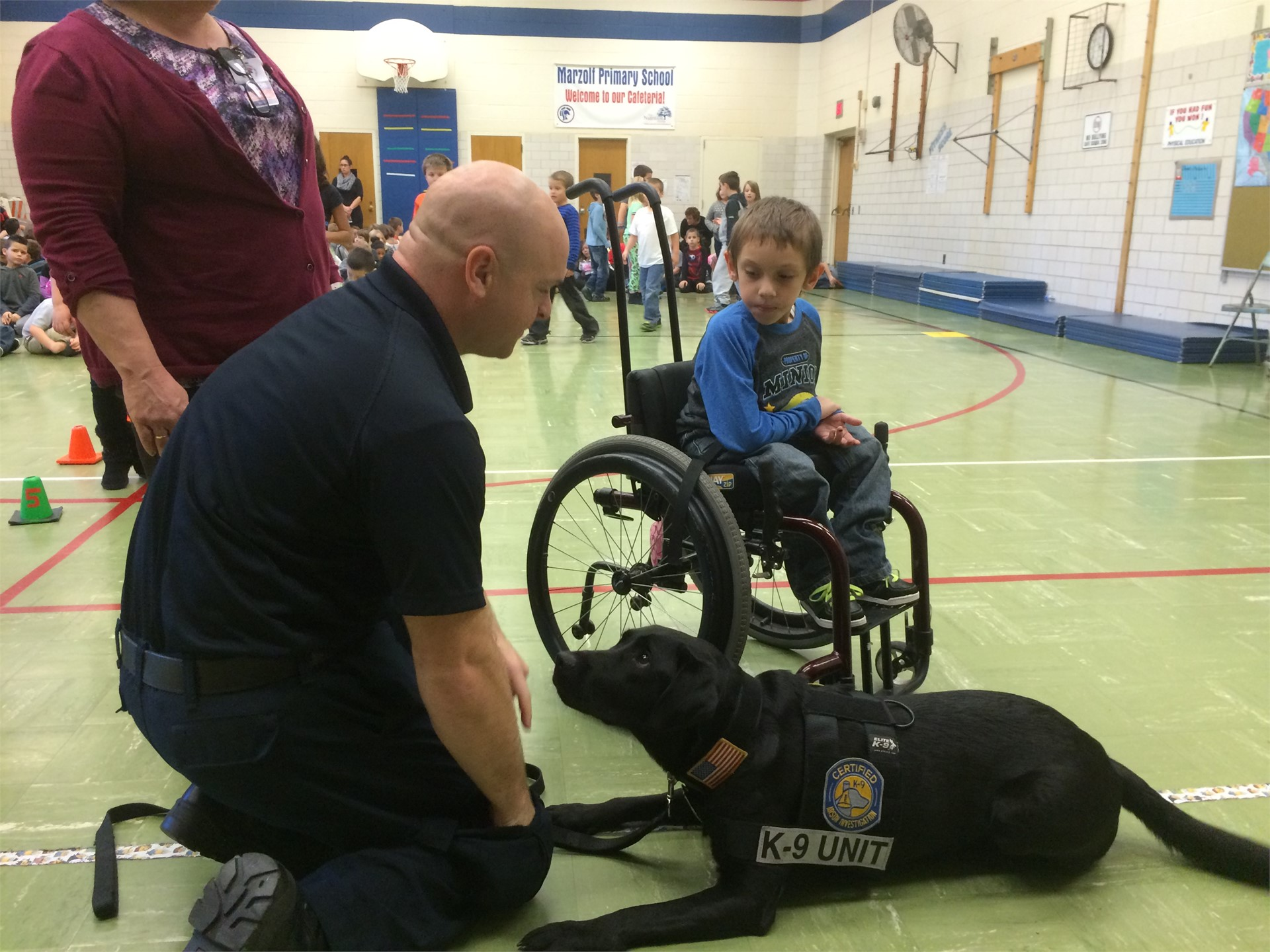 Police Dog visits Marzolf for Community Safety Program