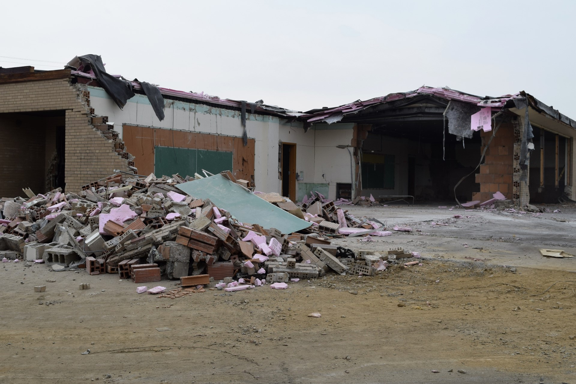 Demolition at Rogers Primary School: July 2016