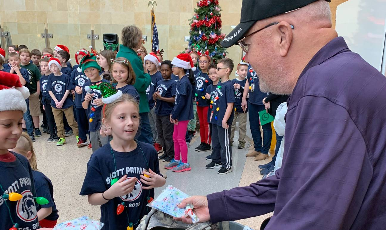 Students give gifts to our veterans