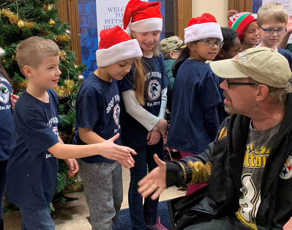 3rd Graders share holiday greetings with Veterans