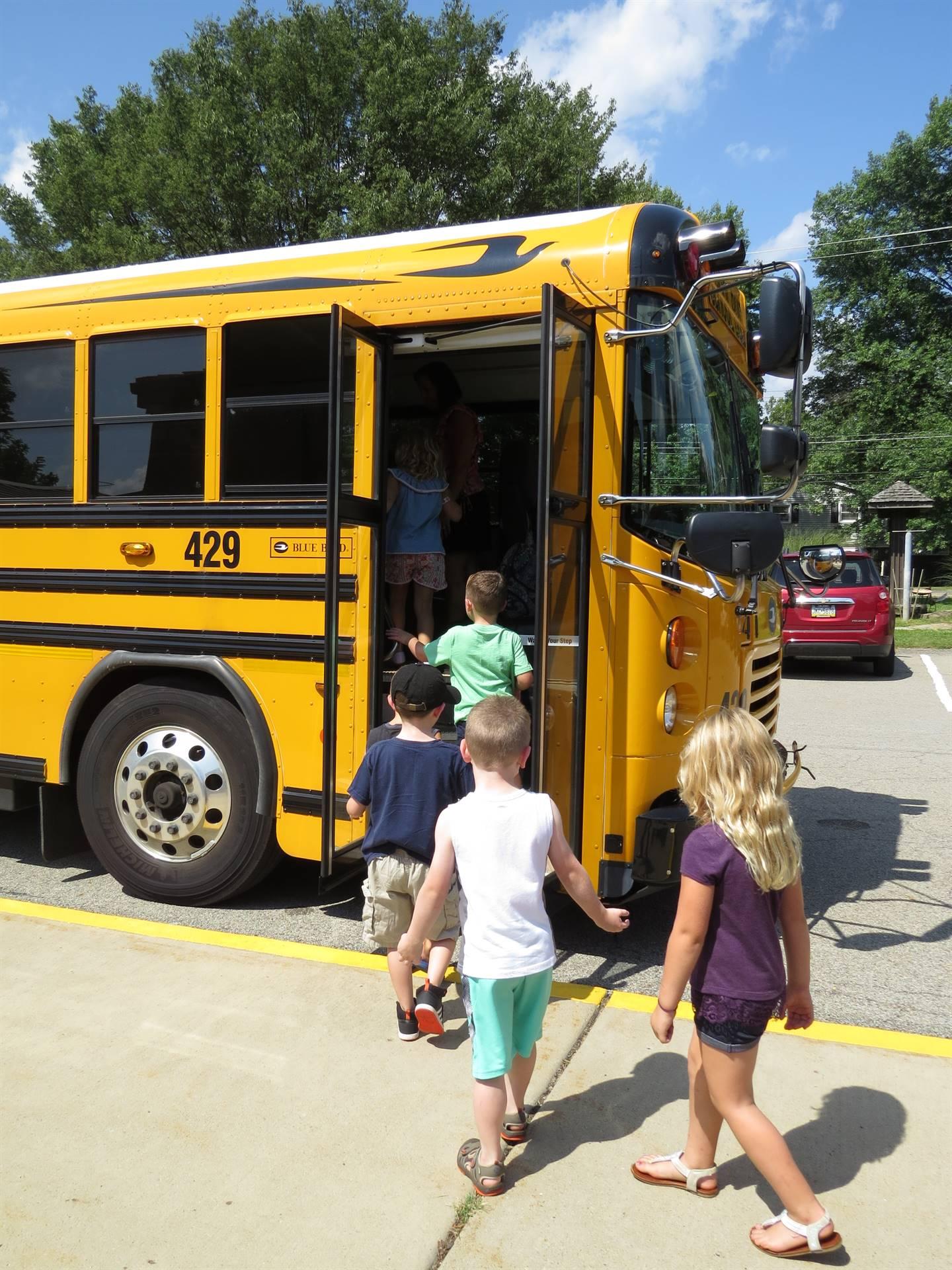 Kindergarten's-First-bus-ride