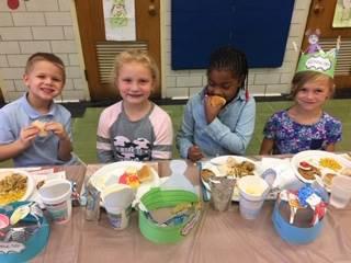 First Grade Friendsgiving Feast