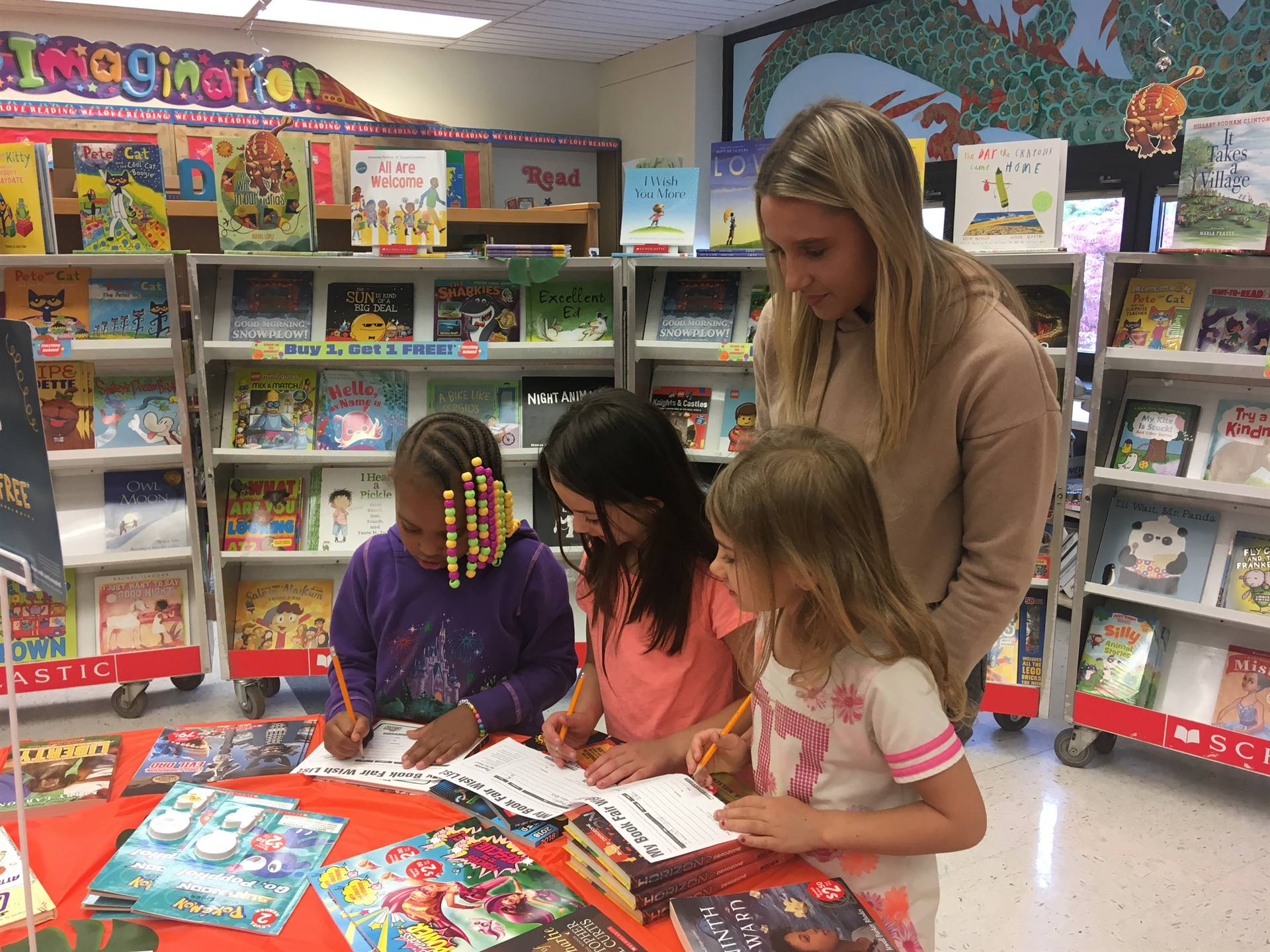 kindergarten students attend bookfair