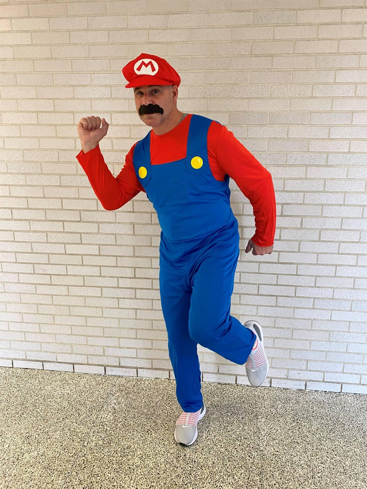 """""""Mario""""-Rojik celebrating Halloween"""