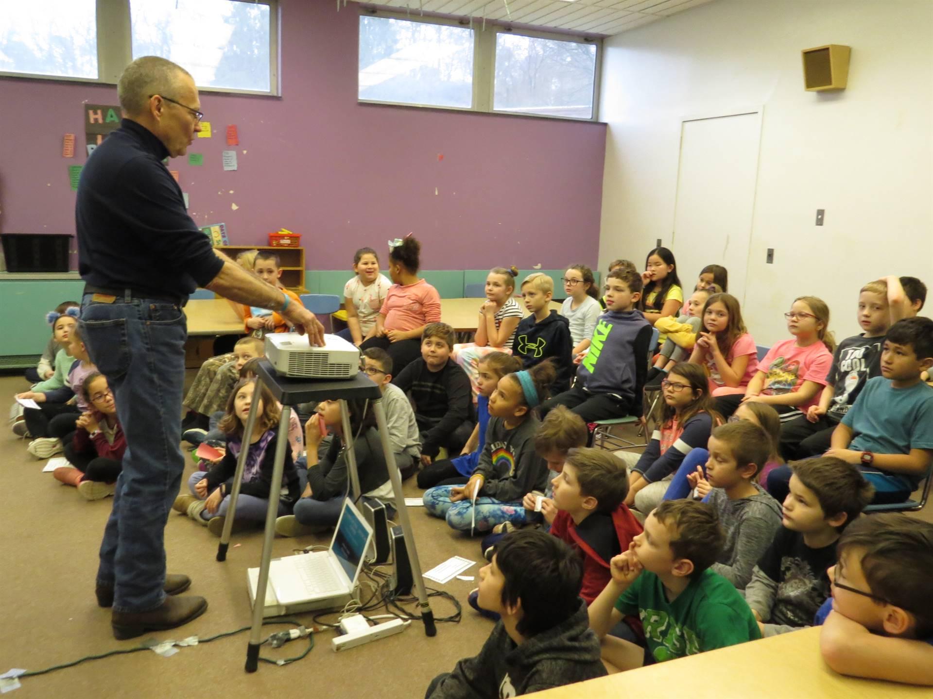 Mr.-Jeff-Smith-teaches-third-grade-about-geodes