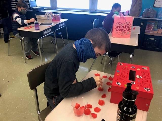 3C celebrates friendship for Valentine's Day