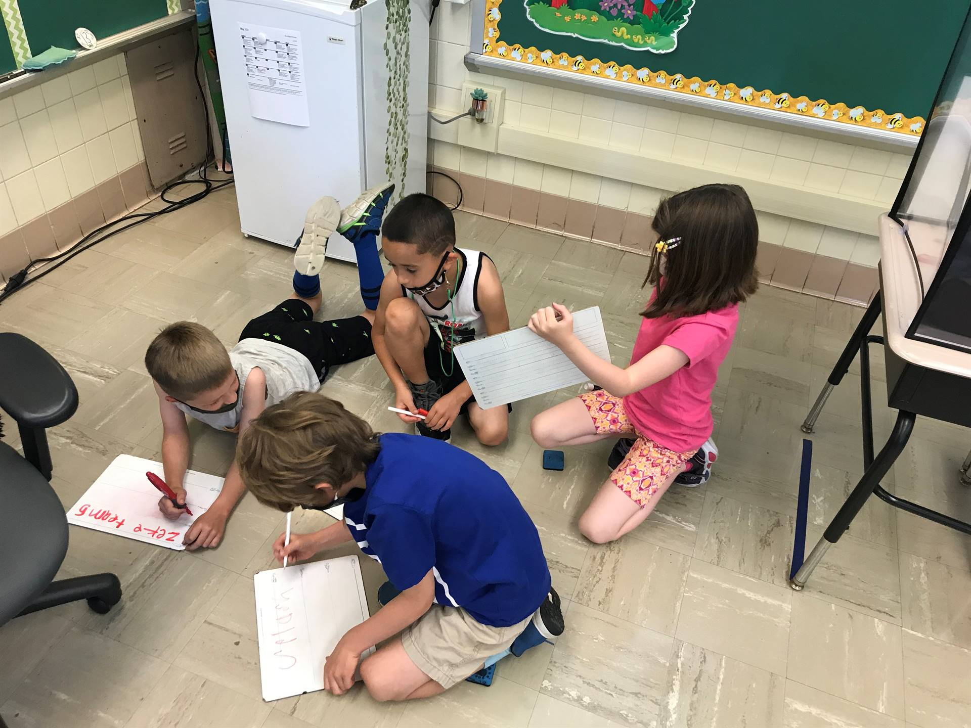 Covid hasn't stopped Mrs. Roth and 1B from learning together